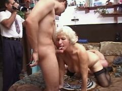 Granny sucks and gets licking pussy
