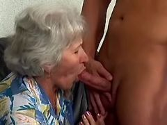 Granny w big tits sucks fresh cock of amateur guy