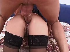 Aged mature in stockings gets fuck
