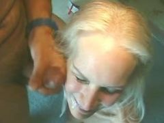 Men jizz by turns on face of granny in groupsex