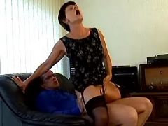Spoiled granny in stockings sucks cock and fucks