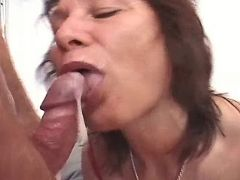 Mature weman in stockings get cum in groupsex